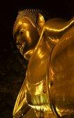 goldener buddha im wat po in