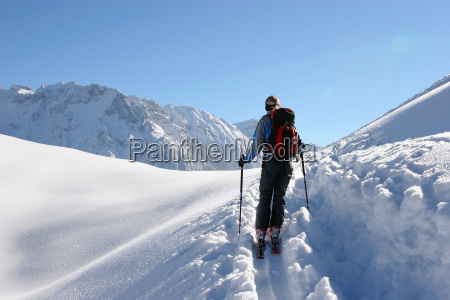 ascent, with, skis - 176236