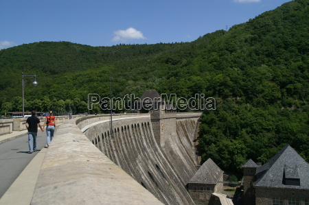 lock wall at the edersee 2