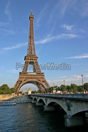 eiffel tower vi