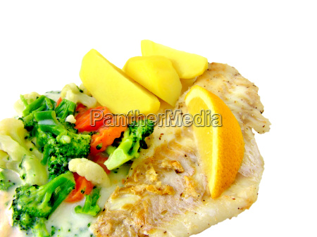 redfish with vegetables and potatoes