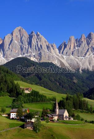 church mountains alps berglandschaft