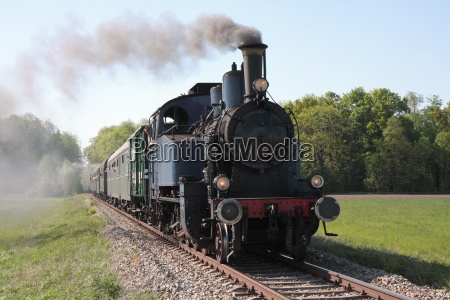 old steam train approaches