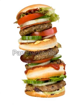 vierfacher hamburger isoliert auf weissem hintergrund