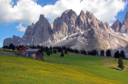 mountains dolomites alps south tyrol mountain