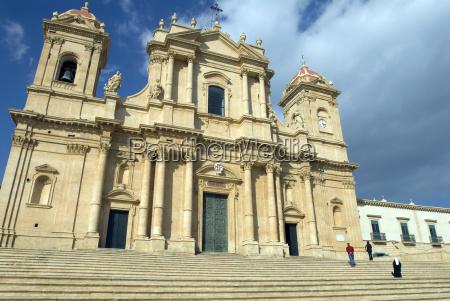 cathedral san nicolonotosicily