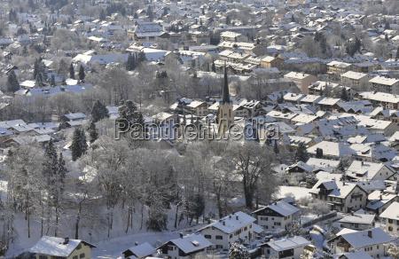 ciudad de garmisch partenkirchen en invierno