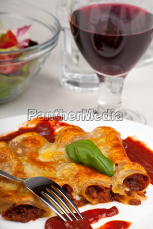cannelloni mit tomatensauce