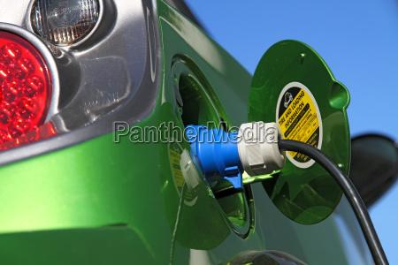 alimentando de energia del coche