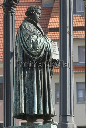 luther statue in wittenberg