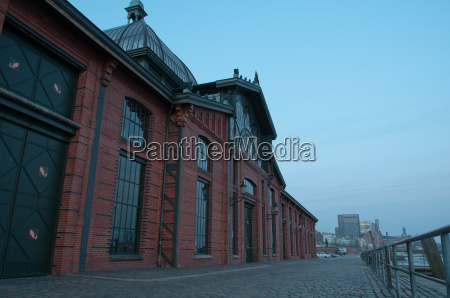 fischauktionshalle on the elbe