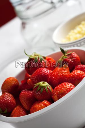 zutaten von erdbeermarmelade
