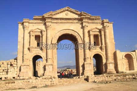 temple jordan antiquity ruins arabia roman