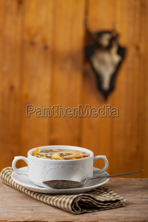 bayerische pfannkuchensuppe