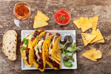 taco, with, chili, con, carne - 8841102