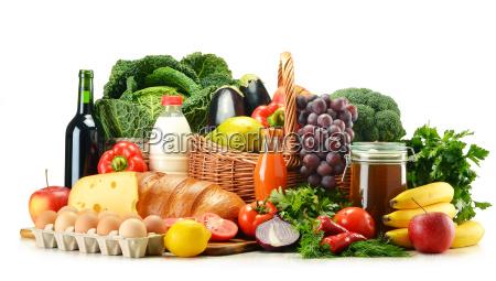 produtos de merceariaincluindo legumesfrutaslaticinios e bebidas