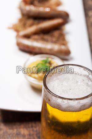 nuernberger wuerstchen mit bier