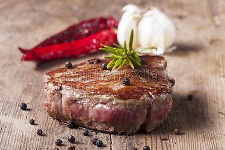 steak vom grill mit pfeffer