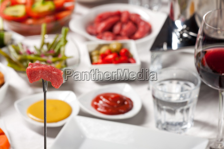 fondue und rotwein