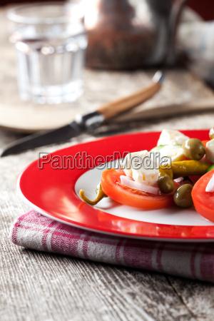 griechischer salat mit wasser