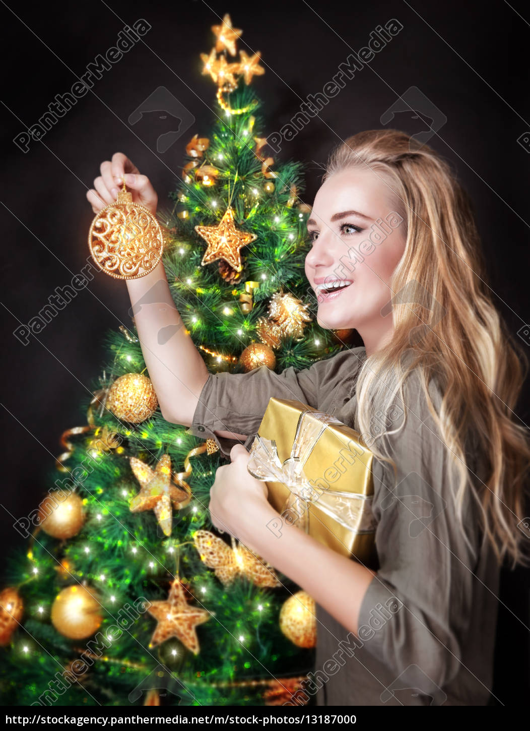 happy, girl, decorating, christmas, tree - 13187000