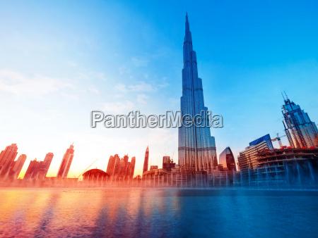burj khalifa dubais landmark