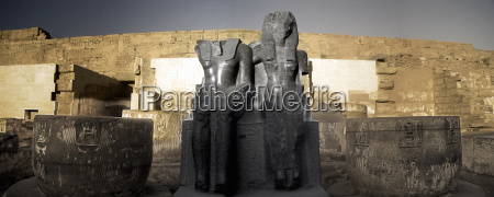 ancient egyptian ruins and sculptures egypt