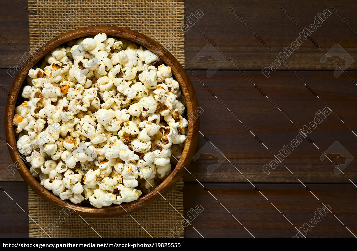 popcorn, with, cheese, , garlic, and, oregano - 19825555
