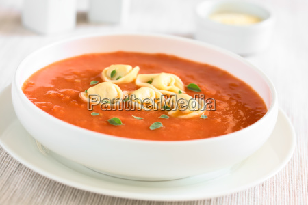 tomato, soup, with, tortellini - 19825499