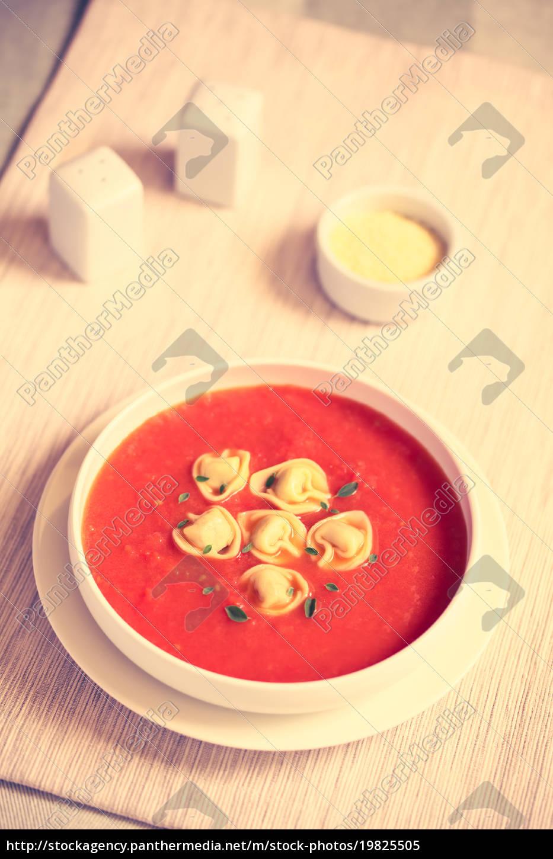 tomato, soup, with, tortellini - 19825505