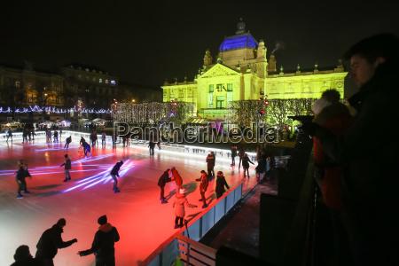 city, ice, rink, in, zagreb - 19864276