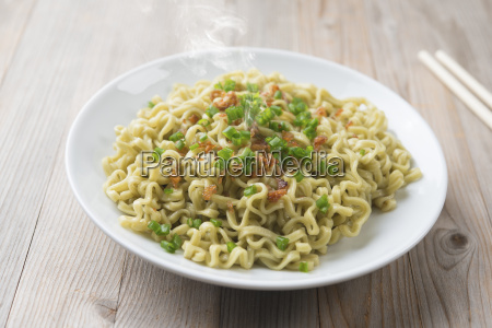dried noodles plate