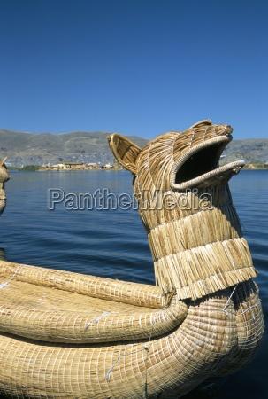 traditional uros urus reed boat islas