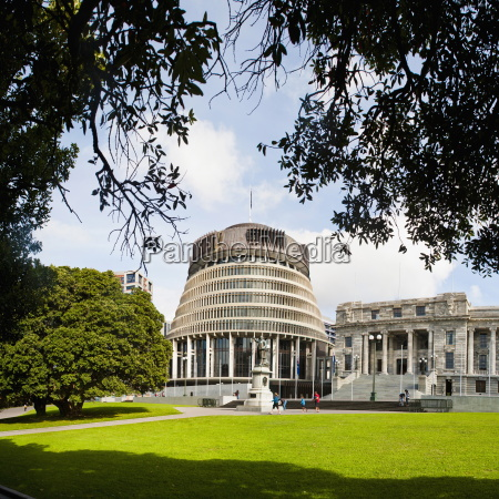 beehive the new zealand parliament buildings