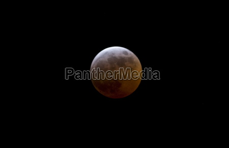 red moon during eclipse southern england