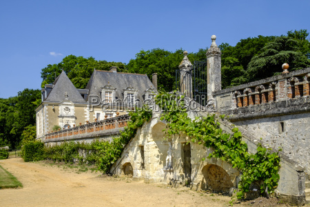 castle and gardens of valmer indre