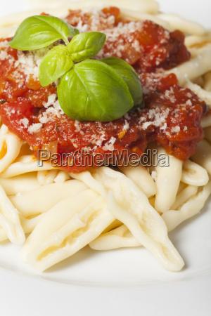 capunti alla puttanesca ein italienisches nudelgericht