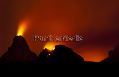 volcano erupting at night hawaii volcanoes