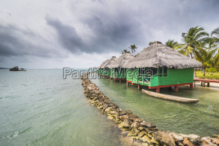 overwater bungalows achutupu san blas islands