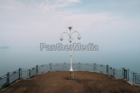 a symmetrical spot with a lamp